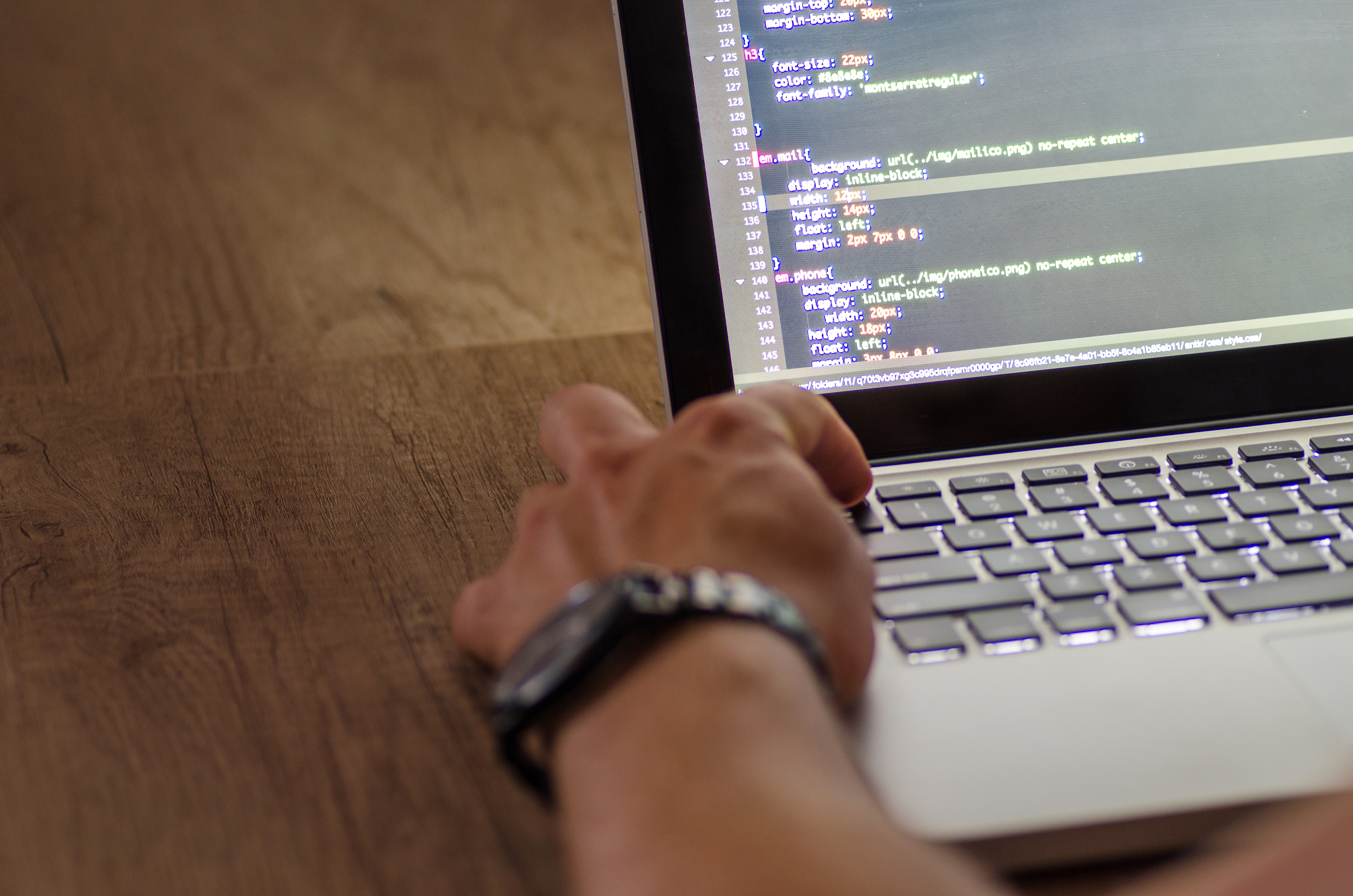 7 Things to consider when hiring a web development company
